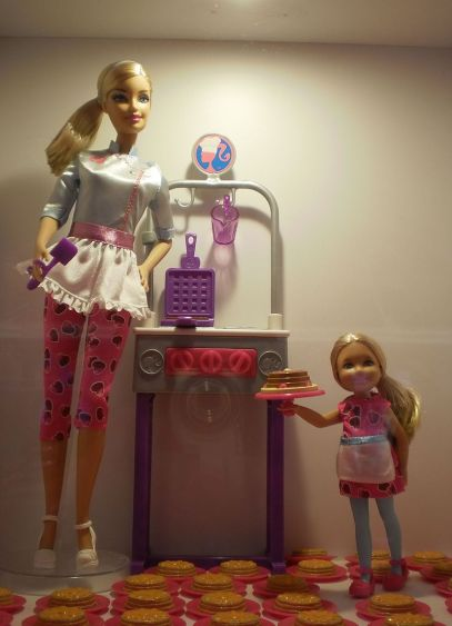 barbie-cuisiniere-par-miriam-guterland-travail-personnel-cc-by-3-0